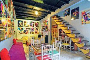 Galeri WPAP Hiasan Dinding di Ruang Tamu
